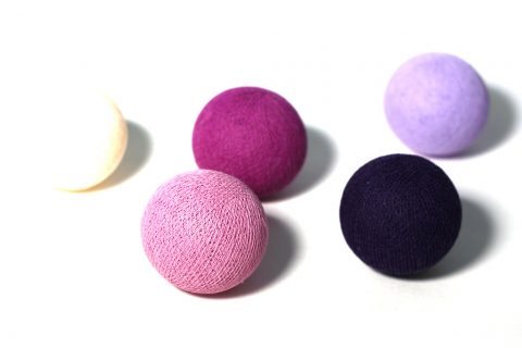 cottonballs-lichterkette-violett1
