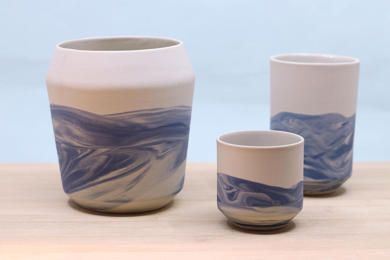 Handgemachte Becher und Vasen